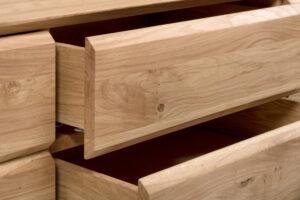 kast van staal met hout